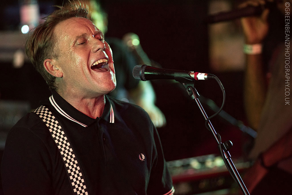 Dave Wakeling of The English Beat in Iconic UK music photograph singing in Cornwall